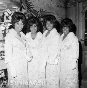 The Shirelles - Dec 02, 1963